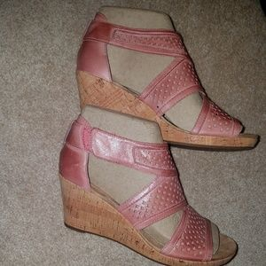 Rockport NIB Pink Leather Janna Sandals, size 8